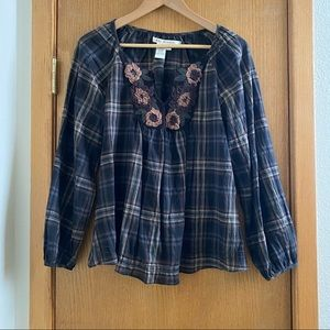 MAX STUDIO • Plaid Flowy Top with Floral Detail XS